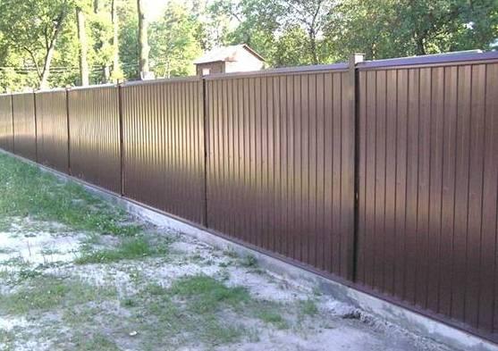 металеві паркани із профнастилу – кращий вибір для вашої ділянки!